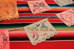 Stamina della decorazione del de Mayo di cinco di festa del fondo del serape del poncio del Messico Immagine Stock Libera da Diritti