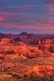 Stammen de majesteitsplaats van jachtenmesa Navajo dichtbij Monumentenvallei, Ari Stock Afbeelding