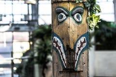 Stammen symbolisch houten beeldhouwwerk Stock Afbeelding