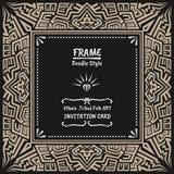 Stammes- ethnischer Artrahmen des Gekritzels Gebürtige Einladungskarte Stockbilder