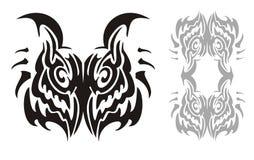 Stammes- Kopf- und Eulenrahmen der gehörnten Eule Stockfotos
