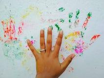 Stampa Colourful della mano sulla parete Fotografia Stock