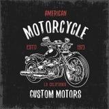 Stampa della maglietta con il motociclo disegnato a mano Immagine Stock