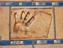Stampa della mano e dell'autografo di Gerard Depardieu immagini stock libere da diritti