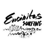 Stampa disegnata a mano praticante il surfing di serigrafia di schizzo dell'inchiostro della spazzola dell'iscrizione di Encinita Fotografia Stock Libera da Diritti