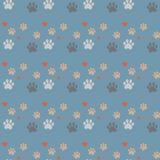 Stampa e cuore della zampa senza cuciture Tracce di Cat Textile Pattern Modello senza cuciture di orma del gatto Vettore senza gi royalty illustrazione gratis