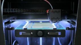 stampante 3D durante il lavoro Immagine Stock