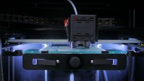 stampante 3D durante il lavoro Fotografia Stock Libera da Diritti