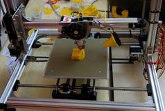 stampante 3D nell'azione Immagini Stock Libere da Diritti