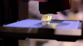 stampante 3D sul lavoro video d archivio