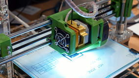Stampante tridimensionale della plastica 3d Immagini Stock Libere da Diritti