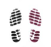 Stampe della scarpa del ` s degli uomini su bianco fotografia stock