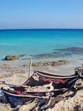 Stampe fini greche di stupore delle carte da parati degli ambiti di provenienza di giro dell'isola di Karpathos tutt'intorno immagini stock