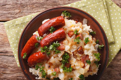 Stamppot mashed potatoes, cabbage and carrots, with sausages clo Stock Photo