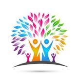 Stamträdlogo, familj, förälder, ungar, grön förälskelse, barnuppfostran, omsorg, vektor för symbolsymbolsdesign på vit bakgrund stock illustrationer