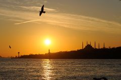 İstanbul Silhouette. Horizontal photo of a Istanbul sunset. The silhouette of Sultanahmet Mosque is visible in the background Stock Photos