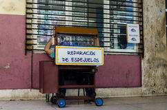 Stand with the repair of glasses, Havana, Cuba Stock Photos