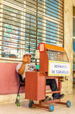Stand with the repair of glasses, Havana, Cuba Royalty Free Stock Photos