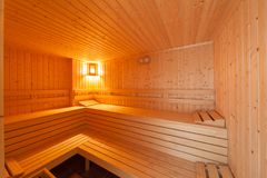 Standaard houten saunabinnenland Stock Foto's