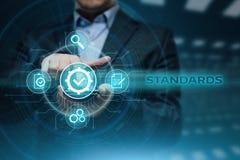 Standard - kontrola jakości certyfikata zapewnienia gwaranci technologii Internetowy Biznesowy pojęcie zdjęcia royalty free