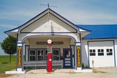 Standard oljabensinstation på Route 66 i Odell, Illinois arkivbild