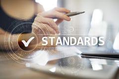 Standardy, kontrola jako?ci, zapewnienie, ISO, Checkbox na wirtualnym ekranie obraz royalty free