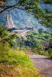 Standbeeld in berg Stock Foto