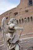 Standbeeld bij brug Angelo, Rome Stock Fotografie