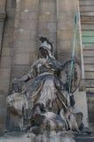 Standbeeld bij het huis van invalides Stock Fotografie