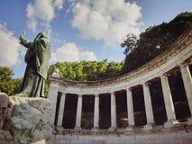 Standbeeld bij kasteel Boedapest Stock Fotografie