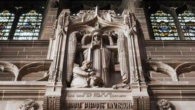Standbeeld binnen kathedraal Stock Fotografie
