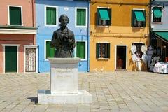 Standbeeld in Burano, Italië Stock Foto