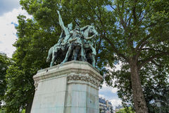 Standbeeld Charlemagne et ses Leudes door Cathedrale Notre Dame de Par royalty-vrije stock foto