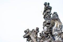 Standbeeld in Charles Bridge, Praag, Tsjechische Republiek Stock Foto