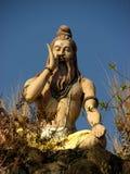 Standbeeld die van yogue pranayama doen Stock Fotografie