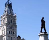 Standbeeld en het Parlement Stock Afbeeldingen