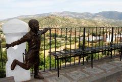 Standbeeld en olijfgaarden, Priego DE Cordoba stock afbeelding