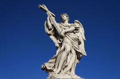 Standbeeld-engel-kruis Stock Fotografie