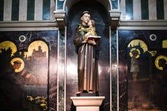 Standbeeld in Kerk Stock Foto's