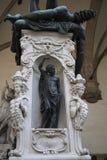 Standbeeld in Loggiadei Lanzi stock afbeelding