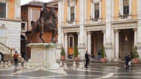 Standbeeld Marco Aurelio in Rome, Italië stock video