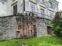 Standbeeld met strijders Stock Afbeeldingen