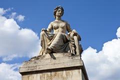Standbeeld op Pont du Carrousel in Parijs Royalty-vrije Stock Afbeelding