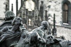 Standbeeld in Oud Stadsvierkant, Praag, Tsjechische Republiek Stock Afbeelding