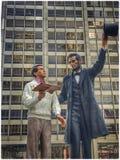 Standbeeld van Abraham Lincoln met & x22; Everyman& x22; in Chicago Royalty-vrije Stock Foto's
