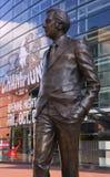 Standbeeld van Van Andel op Fulton Street in Grand Rapids, MI royalty-vrije stock afbeelding