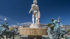 Standbeeld van Apollo in centrum van fontein, sightseeingsreis aan Nice, beeldhouwwerkart. stock video
