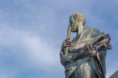 Standbeeld van Aristoteles een groot Griekse filosoof Stock Fotografie