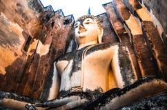 Standbeeld van Boedha in Thailand stock afbeelding