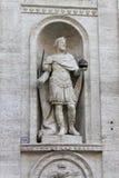 Standbeeld van Charlemagne stock fotografie